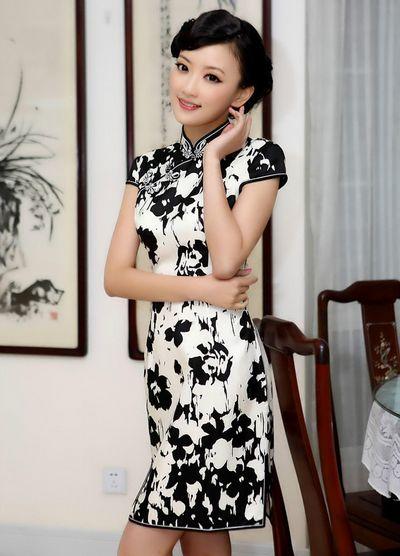 中国画衬托旗袍美女,中国风旗袍服饰